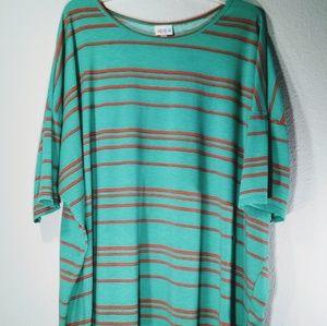 LuLaRoe Women's Shirt Size 3XL